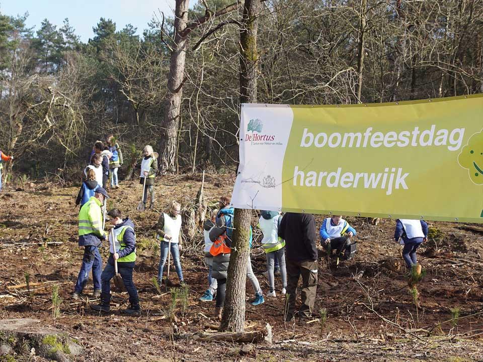 boomfeestdag_van gemeente_kinderen_2018_Hortus_Harderwijk_natuur_milieu-educatie_CT_07