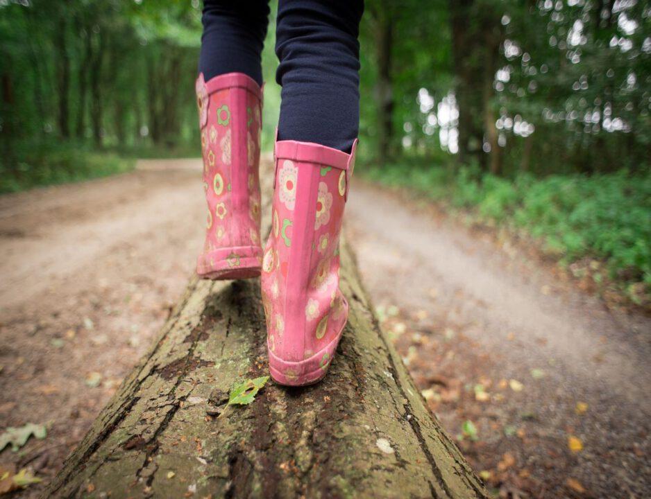 meisje op pad met laarzen 1